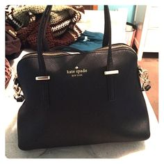 Kate Spade Crossbody Satchel Authentic Kate Spade Bag. Straps can come off. Slight stains (pictured) Duster bag comes with. No trades, reasonable offers accepted kate spade Bags Crossbody Bags