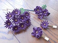 つまみ細工の花の簪、クリップ等です。