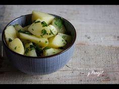Como preparar Papas con mantequilla y perejil, usando una Cocotte azul caribe de Le Creuset
