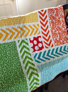 a little gray: Chevron Pinwheel Baby Quilt