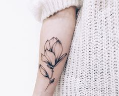 Tattoos are a great way of expressing yourself through body art and we have compiled 90 of our favourite tattoo ideas for girls. Rose Tattoos, Body Art Tattoos, New Tattoos, Small Tattoos, Sleeve Tattoos, Fashion Tattoos, Tatoos, Pretty Tattoos, Beautiful Tattoos