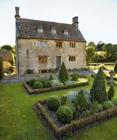 English Cottage and Gardens | Content in a Cottage