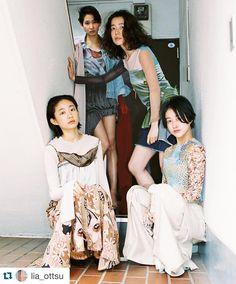 オーストラリア発のオイスターマガジンにてインタビューと写真を掲載していただきました  スタイリングは先日発表した16awを中心ですがインタビューでは出身地の名古屋の話や高校生の頃の話16ssのコレクションについて話しています (マイリーサイラスが好きと言っている) Nostalgic future 是非ご覧ください #Repost @lia_ottsu with @repostapp.  'Designer Kotoha Yokozawa Makes Clothes For Tokyo Girls Like Her' feature by @oystermagazine  Shot by me H&M @__a__i__m__  Styling @kotohayokozawa by kotohayokozawa