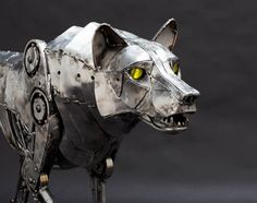 Mechanical Wolf by Andrew Chase http://www.steampunktendencies.com/