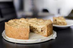 Deze appeltaart van speltbloem is niet alleen lekker, maar kun je ook zonder schuldgevoel eten.