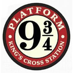 Harry Potter 9, Harry Potter Platform, Pinterest Diy Crafts, Painting Wooden Letters, Harry Potter Printables, Hogwarts, Magnets, Display Ideas, Art Drawings