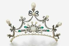 A natural pearl, diamond, emerald, sapphire, 18k gold and silver crown element, end of the 19th century