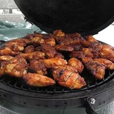 Smoked Spicy Chicken Wings Smoked Wings, Smoked Chicken Wings, Grilled Chicken Wings, Bbq Chicken, Grilling Recipes, Pork Recipes, Picnic Recipes, Dishes Recipes, Chicken