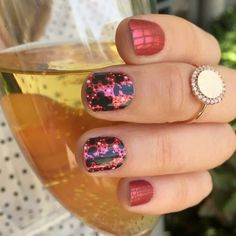 Dots So Mickey from the Disney Collection by Jamberry and See You Later. Perfect manicure for a family vacation to a magical kingdom! #DotsSoMickeyJN #SeeYouLaterJN