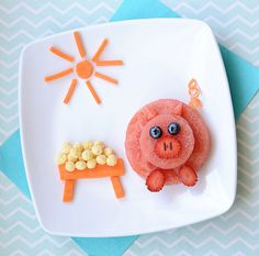 Food Art: A Fruity Piglet Snack