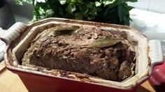 Terrine de campagne (recette du boucher) Charcuterie, French Food, Bon Appetit, Entrees, Meal Planning, Food To Make, Healthy Recipes, Diet, Meals
