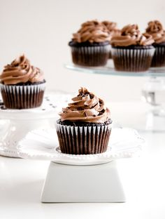 Chocolate Cupcakes with Nutella Frosting | A double dose of chocolate perfection with every bite of this dessert! | www.chicandsugar.com