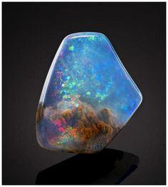 Magnífica piedra preciosa parece que atrapa una nebulosa en su interior - POP-PICTURE: Tu Mundo En Imágenes