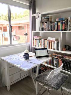 A Sydneysider's Studyblr — slytherin-psych-studies: Study Room Decor, Study Rooms, Study Areas, Study Desk, Study Space, Slytherin, Tittle Ideas, Study Corner, Study Organization