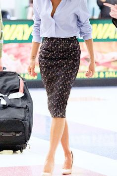 Is there anything better than a printed pencil skirt?  source: whowhatwear.com