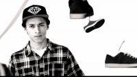 Edição de várias imagens do skatista profissional Nyjah Huston criação do canal DGKMagnificent belas imagens antigas e recentes desta lenda do skate mundial, com seu estilo único leve que consegue mandar manobras com uma facilidade incrível.