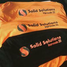 Nossas camisas atléticas ficaram lindas. Agora vamos suar! #sports #esporte #fit #fitness #running #saude #bemestar #startup #3dprinting #impressao3d #solidsolutions by solidsolutions