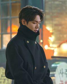The king- eternal monarch 🇰🇷 Jung So Min, Asian Actors, Korean Actors, Lee Min Ho Wallpaper Iphone, Kim Go Eun Style, Lee Min Ho Smile, Lee Sun, Lee Minh Ho, Park Hae Jin