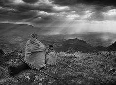Sebastião Salgado - Projeto Gênesis. Vale Lalibela, Etiópia, África.