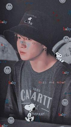 Foto Bts, Bts Photo, Jungkook Hot, Foto Jungkook, Bts Black And White, Baby Kiss, Min Yoonji, Korean Boy, Bts Reactions