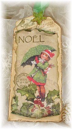 Noel, lovely vintage looking tag. Christmas Paper, Vintage Christmas Cards, Christmas Gift Tags, Christmas Images, Xmas Cards, Vintage Cards, Handmade Christmas, Christmas Crafts, Christmas Ornaments