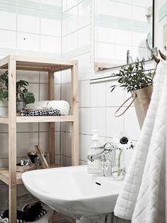 Pink Bathroom: Designs & Decoration Photos - Home Fashion Trend Scandinavian Bathroom, Scandinavian Home, Swedish House, Bathroom Inspiration, Design Inspiration, Home Decor Styles, Small Bathroom, Minimal Bathroom, Wood Bathroom