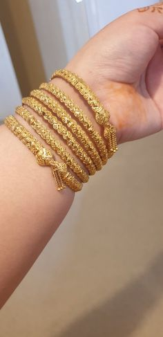 Dubai Gold Bangles, Gold Bangles For Women, Dubai Gold Jewelry, Gold Plated Bangles, Gold Chain Design, Gold Bangles Design, Gold Earrings Designs, Gold Jewellery Design, Pakistani Jewelry
