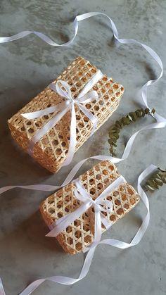 Yogurt Packaging, Cookie Packaging, Tea Packaging, Food Packaging Design, Bamboo Weaving, Basket Weaving, Rattan Basket, Baskets, Eid Hampers