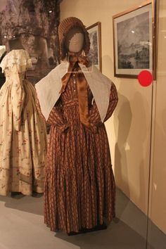Visiting dress of glased printed chintz. England, 1830s. From the collection of Alexander Vasiliev. Photo by Olga Mamaeva