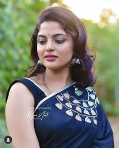 Exclusive stunning photos of beautiful Indian models and actresses in saree. Divorce For Women, Punjabi Dress, Most Beautiful Indian Actress, Indian Models, Saree Blouse Designs, India Beauty, Indian Sarees, Indian Actresses, Beauty Women
