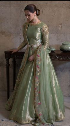 Beautiful Pakistani Dresses, Pakistani Party Wear Dresses, Designer Party Wear Dresses, Pakistani Wedding Outfits, Pakistani Dress Design, Indian Outfits, Pakistani Couture, Wedding Hijab, Indian Dresses