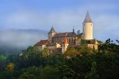 Křivoklát gothic castle in the morning mist, Czechia. Photo by Ladislav Renner… Gothic Castle, Fairytale Castle, Medieval Castle, Central And Eastern Europe, Historical Monuments, Most Beautiful Cities, Honeymoon Destinations, Days Out, Dream Vacations