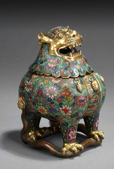 Lot 92: A CLOISONNE ENAMEL GILT-BRONZE MYTHICAL BEAST 'LU DUAN' CENSER AND COVER (241 viewshttp://www.invaluable.com/