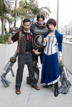 AMAZING Bioshock Infinite cosplay - check out the Handy Man!