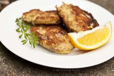 Clean Eating Tuna Patties ~ I just made these for lunch paired with a salad.  Oh my were they gooood!! :)