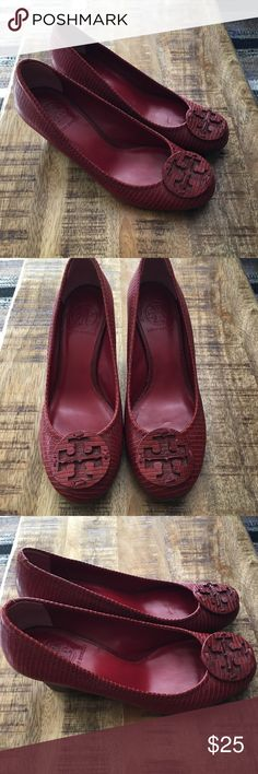 Shop Women's Tory Burch Brown Red size Wedges at a discounted price at  Poshmark. Description: Worn only a couple times.