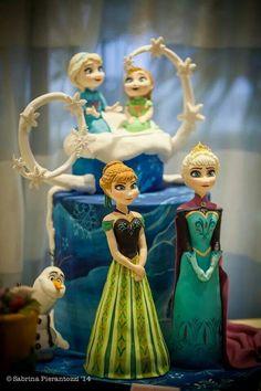 Southern Blue Celebrations: More Frozen Party Cake Ideas & Inspirations Torte Frozen, Frozen Party Cake, Frozen Birthday Party, Party Cakes, Twin Birthday, Tarta Frozen Disney, Disney Frozen Party, Disney Cakes, Elsa Frozen