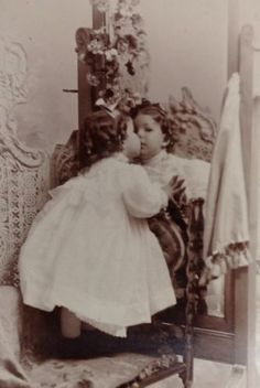 LATE 1800s RARE RARE CHILD KISSING HERSELF IN MIRROR  CABINET CARD SEPIATON#115a in Collectibles, Photographic Images, Vintage & Antique (Pre-1940), Cabinet Photos | eBay