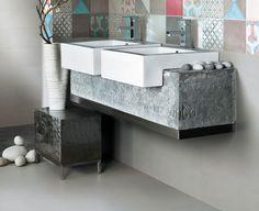 Communicating interiors with decorated ceramic stoneware tiles