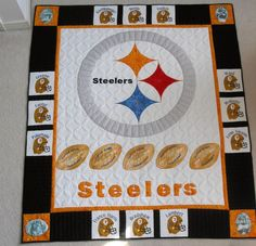 Steelers Quilt - Free motion quilting, applique and machine embroidery Football Quilt, Baseball Quilt, Quilt Patterns Free, Crochet Blanket Patterns, Quilting Projects, Quilting Ideas, Quilting Designs, Sewing Projects, Sports Quilts