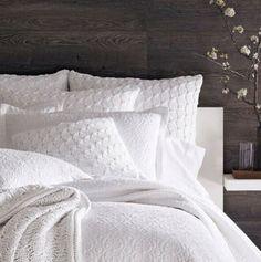 White bedding @Teresa Selberg Selberg Witcher