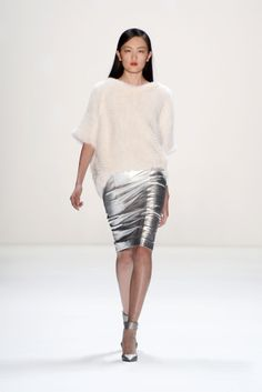 Five #Gorgeous Reasons to wear a #Pencil #Skirt  #pencilskirt #fashion #style #shoes #feminine #highheels