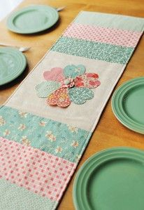 Craft Ideas : Projects : Details : retro-blooms-table-runner