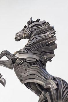 22 incríveis esculturas feitas com fitas de aço