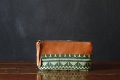 the 9inch ZIPPER pouch tapestry and eco leather by Beesnetta