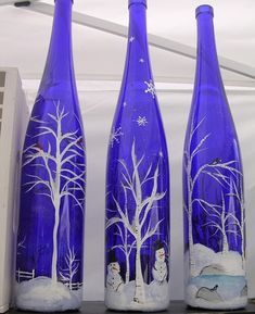Getting inspired by use of old wine bottles done by others? Here we bring a meticulously planned round up of the most creative wine bottle painting ideas. These DIY wine bottle painting designs is sure to add bling to your home decor. Glass Bottle Crafts, Wine Bottle Art, Painted Wine Bottles, Painted Wine Glasses, Blue Bottle, Bottles And Jars, Diy Bottle, Vintage Bottles, Crafts With Wine Bottles