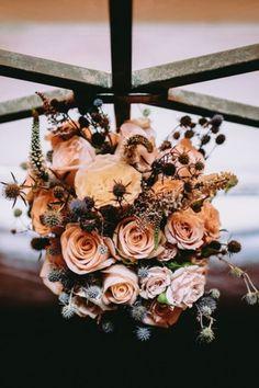 Te contamos todo acerca del bouquet y cómo elegir el mejor. #Matrimoniocompe #Organizaciondebodas #Matrimonio #Novia #TipsNupciales #CaminoAlAltar #MatriPeru #BodaPeru #LookDeNovia #BouquetDeNovia #RamoDeNovia Bridal, Trends, Boyfriends, Elegant, Flowers, Bride, The Bride