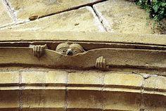 """CONQUES Abbaye Sainte Foy - Art roman Corse Midi-Pyrénées 1045-1060 preparado para enrollar el firmamento que desaparece como se enrolla un pergamino"""" Apocalipsis 6, 1"""
