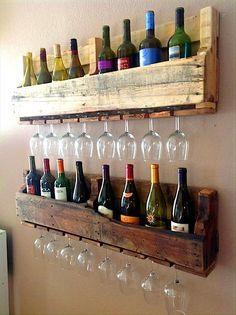 Recycling: Coole Möbel aus alten Paletten #Weinregal #Weinglas (Diy Bar)