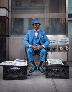 The Ever-So-Stylish Newspaper Salesman - http://www.popularaz.com/the-ever-so-stylish-newspaper-salesman/